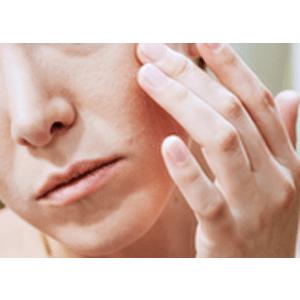 treats eczema and dry skin by providing hydration