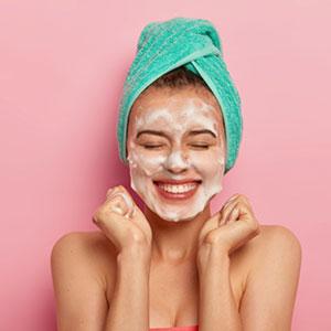 makeup remover cleanser moisturize skin