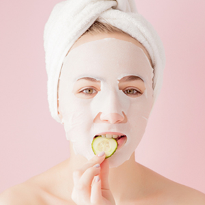 Mamaearth Rice Water Bamboo Sheet Mask Promotes Clear Skin