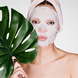 Hyaluronic Bamboo Sheet Mask Reduces Fine Line