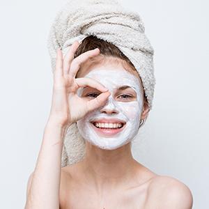 mamaearth vitamin c face mask for Skin Illumination and glowing skin