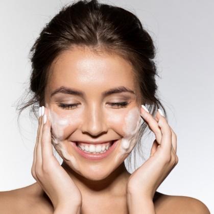 Vitamin C Glowing Skin Combo for birigii