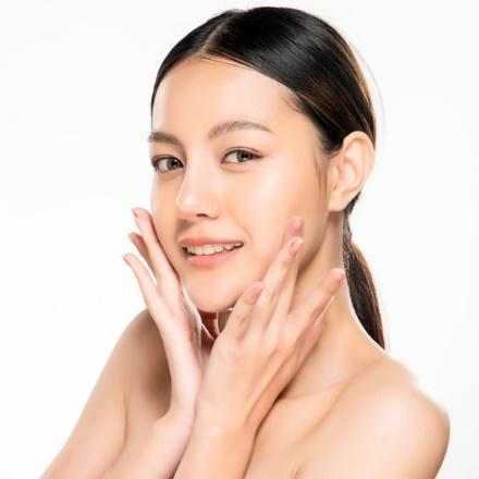 Vitamin C Clear Skin Combo Brightens Skin
