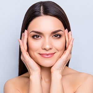 mamaearth tea tree face serum for Prevents Acne Breakouts