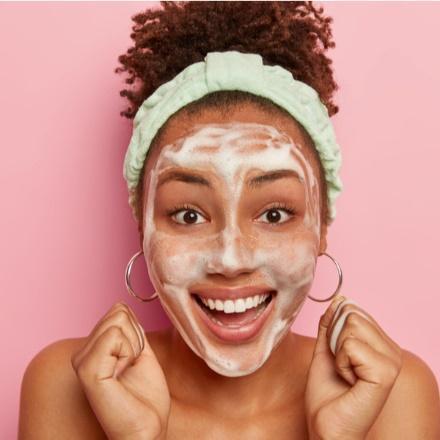 mamaearth retinol face wash for age spots blemushes