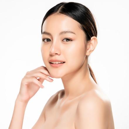 PMamaearth Vitamin C Clear Skin Combo romotes Even Skin Tone